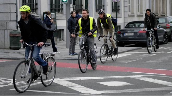 Rouler en vélo électrique, c'est (aussi) du sport