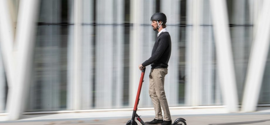 SEAT eXS KickScooter la trottinette electrique de SEAT